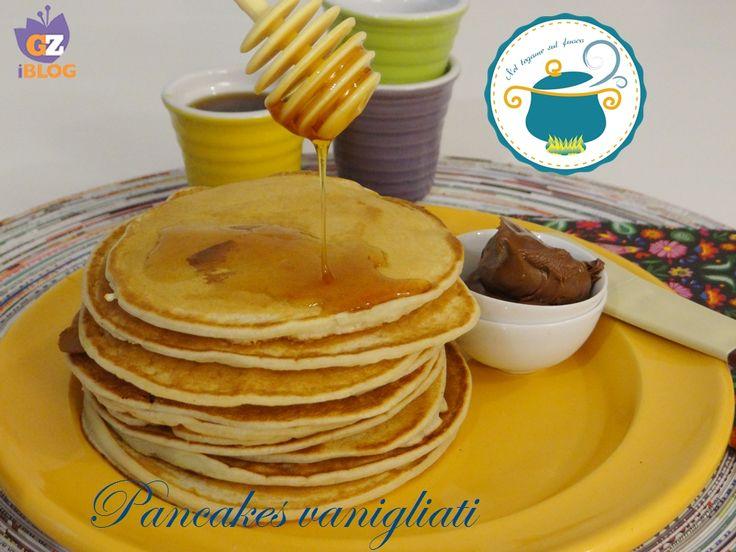 Pancake alla vaniglia con yogurt - ricetta dolce senza uova-