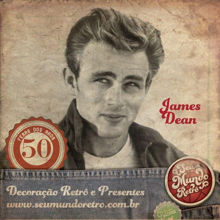 """James Dean foi o ícone da rebeldia na década de 50, era conhecido por uma agitada vida social, fumava e bebia, e possuía um enorme fascínio por carros velozes. Tornou-se um ator de sucesso consolidado a partir de """"Juventude transviada"""" que esgotava as bilheterias quando Dean faleceu vítima de acidente de carro, e apesar de já está morto, recebeu duas indicações ao Oscar, postumamente. #curiosidades #seumundoretro #personalidades #retro #anos50"""