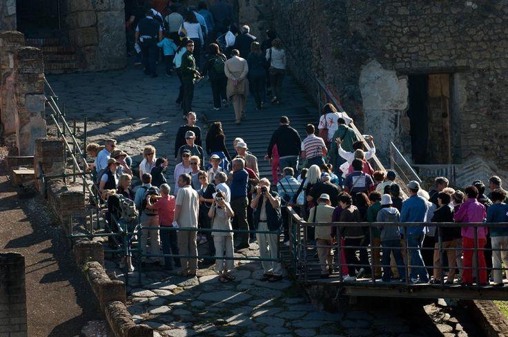 A Pompei, diritto di sciopero o di fruizione? http://www.artspecialday.com/2014/11/13/pompei-diritto-sciopero-fruizione/#.VGSmW_mG96A