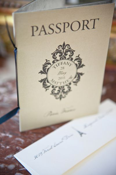 destination wedding stationery / One and Only Photography Paris / Styling: Fete in France / frenchweddingstyle.com
