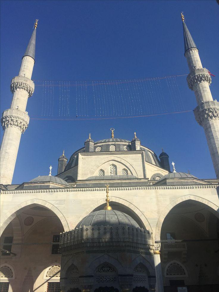 Valide Sultan Camii Üsküdar