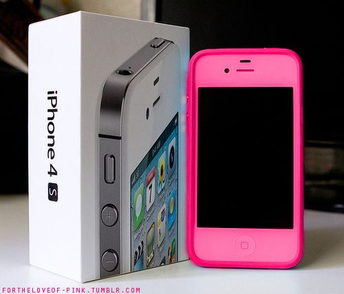 Pink Iphone! <3 so expensive though. Never even seen a pink one! They have teal too!