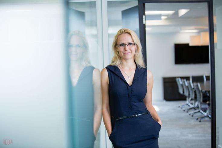 Best 25 business portrait ideas on pinterest corporate portrait corporate headshots and - Office portrait photography ...