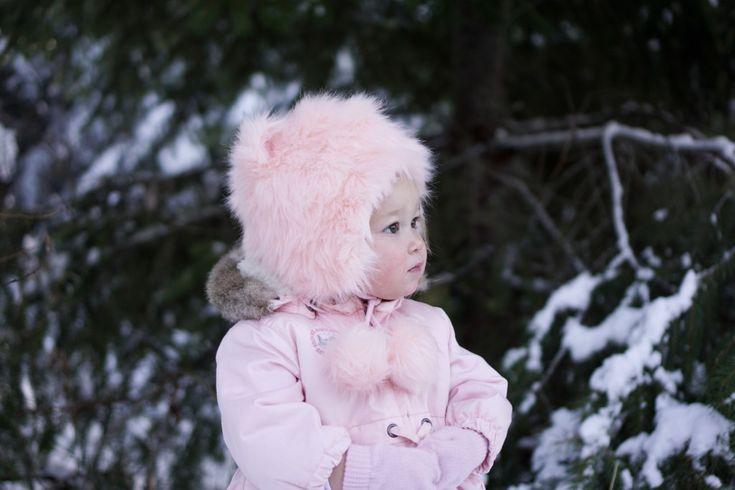 toddler girl fashion, toddler updates, toddler style, baby girl fashion ideas, baby girl, hunter boots, nordstrom, christmas tree farm, tutus, ballet, snow photo shoot
