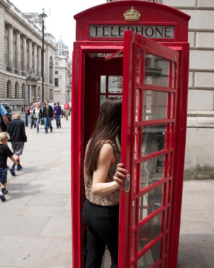 Britain's classic red telephone box, London- UK 2013 #uk #storbritannien #london #london #theredbox #redtelephonebox #britannia #classy #classic #elegant #british #britishclassic #telephone #telephoneboxlondon #londonlife #londonstyle