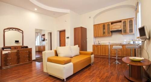 Apartments on Doneckay 4 Orenburg Featuring free WiFi, Apartments on Doneckay 4 offers pet-friendly accommodation in Orenburg. Free private parking is available on site.  All units are air conditioned and have a satellite flat-screen TV.