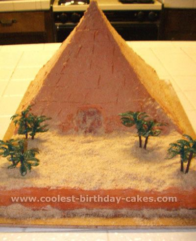 Pyramid Cake for my Egypt crazy daughter's b-day