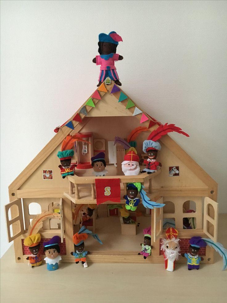 Juf Berdien Sinthuis zwarte piet speelgoed pietjes huisje