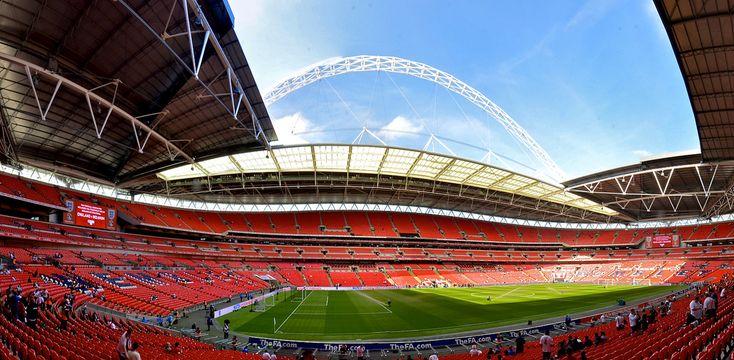 La catedral del futbol en Inglaterra, el mítico estadio de Wembley - http://www.absolutinglaterra.com/la-catedral-del-futbol-en-inglaterra-el-mitico-estadio-de-wembley/