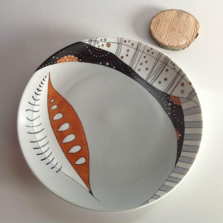 Assiette charlie peinture porcelaine graphisme pinterest ps - Peinture pour vaisselle ...
