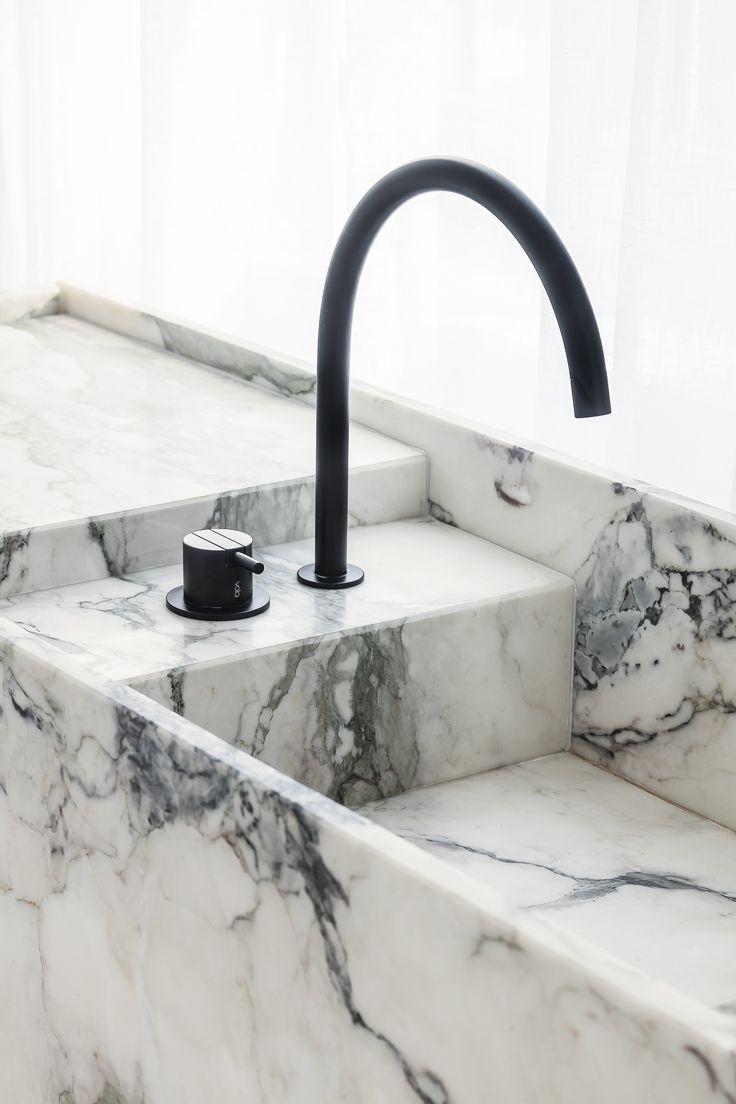 Wash basin detail by Pieter Vanrenterghem - Caprina Nuvolata - honed stone by Hullebusch