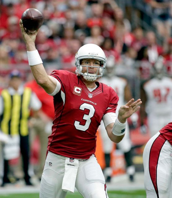 Arizona Cardinals quarterback Carson Palmer (3) throws against the Tampa Bay Buccaneers during the first half of an NFL football game, Sunday, Sept. 18, 2016, in Glendale, Ariz.