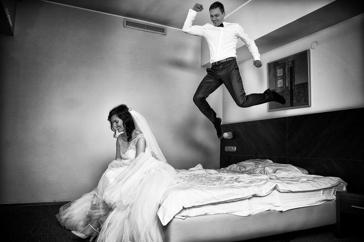 Groom & bride getting ready #tutuionatan