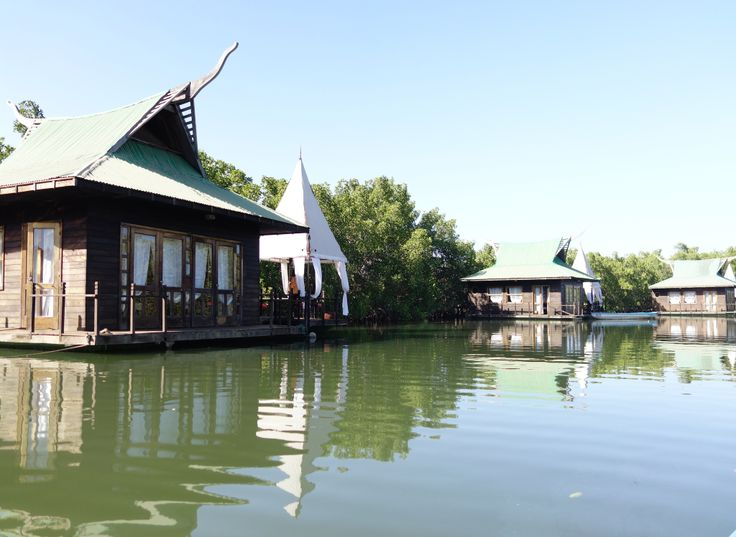 The Fabulous Floating Lodges at Mandina