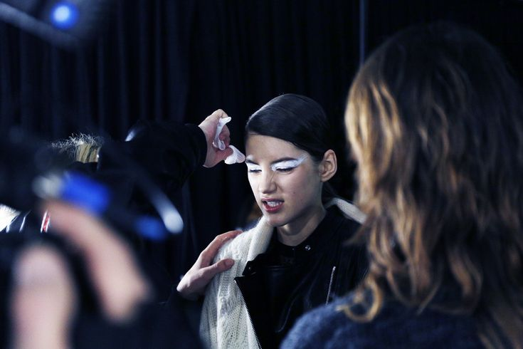 Kenzo backstage FW 2015-16, Mac Cosmetics Make up, PFW, model