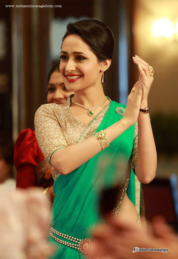 Pragya-Jaiswal-in-Kanche-movie-(1)