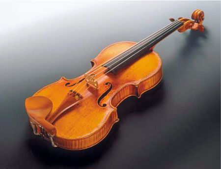 300 year old Stradivarius Violin.: Music Express, Violin Orange, Classic Music, Music Instruments, 300 Years Old Stradivarius, Instrumento Music, Stradivarius Jpg, Stradivarius Violin, Antonio Stradivari