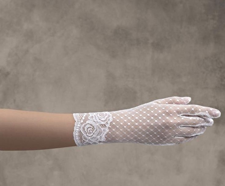 Pronovias Kesztyű /gloves G-303  http://mobile.lamariee.hu/eskuvoi-ruha-kiegeszitok