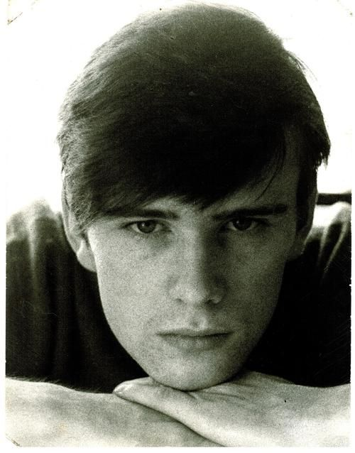 Stuart Sutcliffe. Maybe some know him, maybe not ... Stewart Sutcliffe (23 June 1940-10 April 1962) was a painter, poet and original bassist of the British group The Beatles. He is The Lost Beatle.