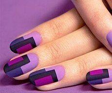 Фиолетовые ногти с геометрией