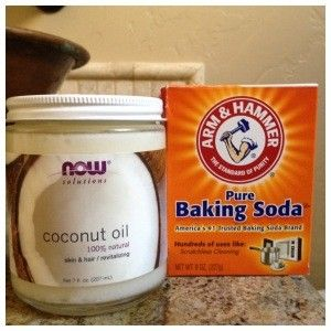 A concoction of baking soda and coconut oil creates a natural face wash♡