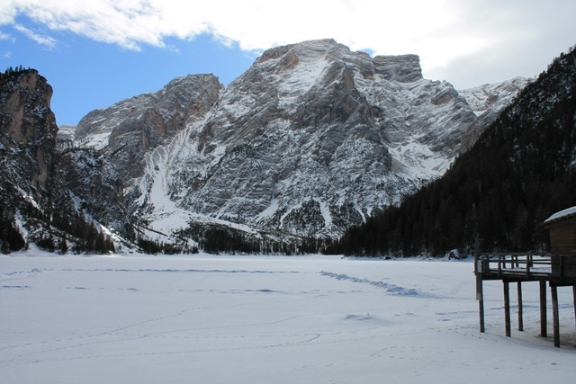 The Prags Lake in Winter (Natural park Fanes-Sennes-Prags) | Der Pragser Wildsee im Winter (Naturpark Fanes-Sennes-Prags) | Il lago di Braies d'inverno (parco naturale Fanes-Sennes-Braies)