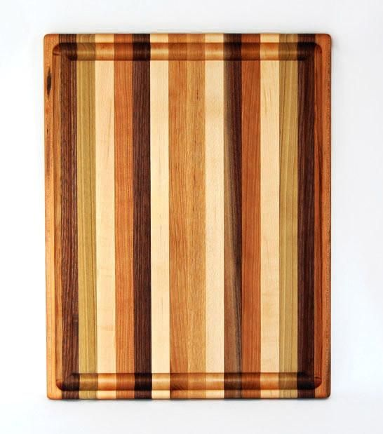 Don't settle for average when it comes to your kitchen. This large cutting board will help you craft high quality meals for yourself and your family.