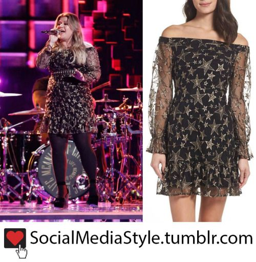 5033ffffd244 Kelly Clarkson s Star Print Off-The-Shoulder Dress from The Voice ...