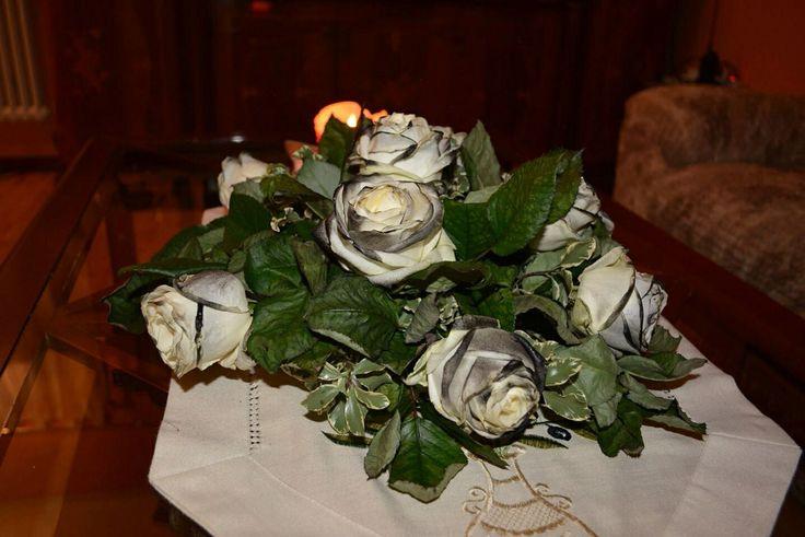 Matrimonio in nero, ma di un romanticismo ed un'eleganza eccezionale....Tosetti Style un bacio speciale a questi nostri sposi....❤️ www.tosettisposa.it #wedding #weddingdress #tosetti #abitidasposo #abitidacerimonia #abiti  #tosettisposa #abitidasposa #nozze #abiti da sposo #bride #alessandrotosetti #carlopignatelli #domoadami #nicole #pronovias #alessandrarinaudo# زواج #брак #فساتين زفاف #Свадебное платье #حفل زفاف في إيطاليا #Свадьба в Италии