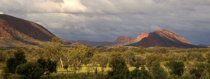 https://flic.kr/p/GJq65b | East Macdonnell Ranges, New Years Day 2016 panorama | Another merged panorama (two photos) taken on New Years Day 2016 of the East Macdonnell Ranges at Undoolya.  The light was forever changing.  The gentle face of Mount Undoolya is to the left of photo.  Resized web version of for print photo.
