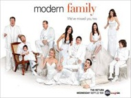 Free Streaming Video Modern Family Season 4 Episode 12 (Full Video) Modern Family Season 4 Episode 12 - Party Crasher Summary: With the baby coming soon, Jay and Gloria go to great lengths to throw Manny an extra special surprise party for his 14th birthday -- and there are plenty of surprises to go around. Meanwhile, Phil and Claire deal with a new much older guy that Haley has started hanging out with, and Cam becomes jealous of the special bond Lily seems to have with Mitch.