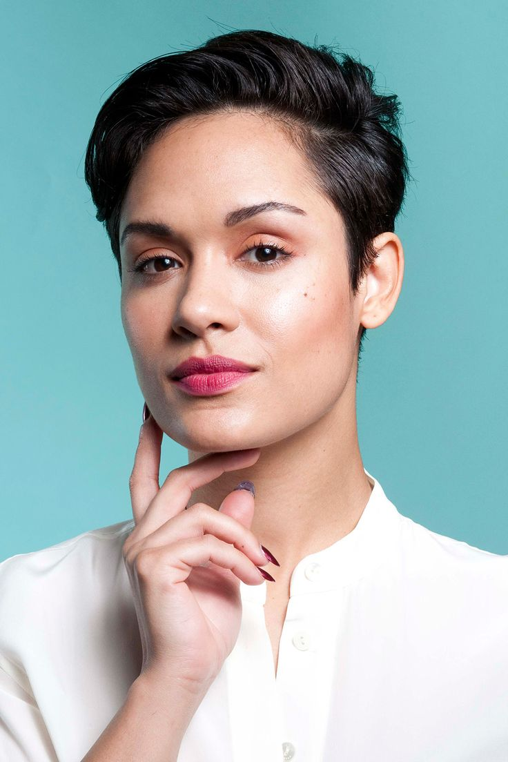 3 Perfect Beauty Looks For All Your Holiday Parties #refinery29  http://www.refinery29.com/grace-gealey-holiday-makeup#slide8  Voila!