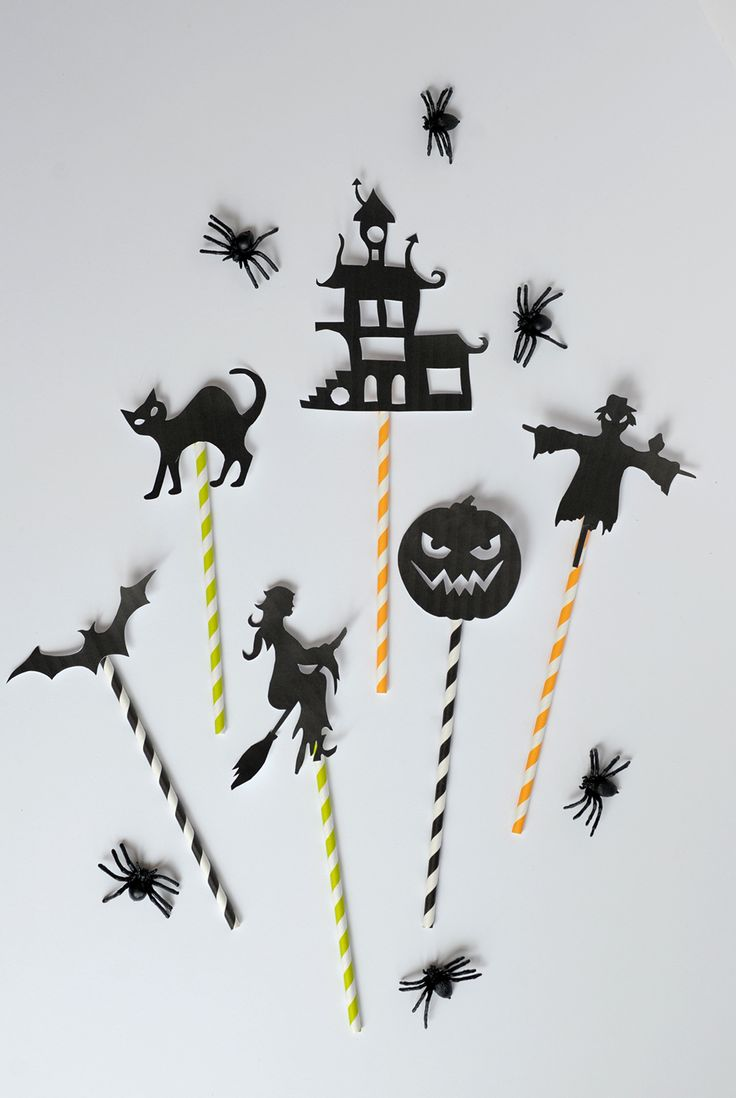 Get those flashlights ready! Print out these classic Halloween icons for your own set of shadow puppets.