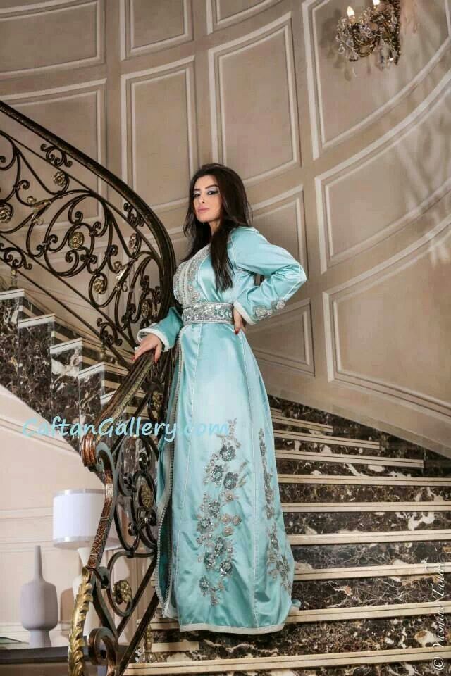 Satin de soie bleu ciel caftan djellaba pinterest for Caftan avec satin de chaise
