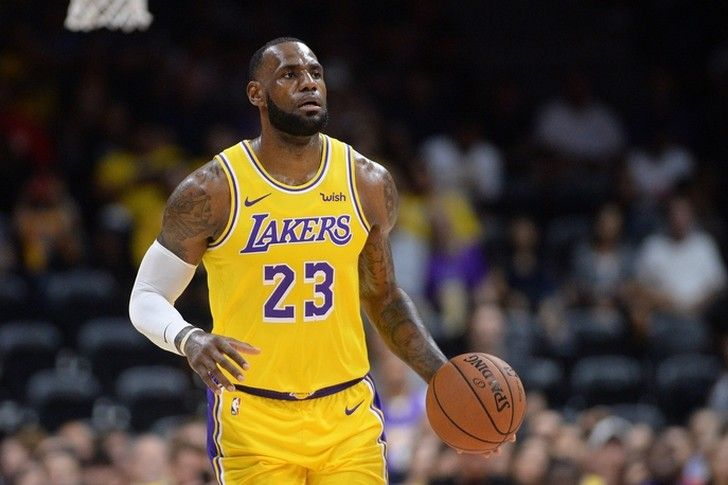 Lakers Rumors 3 Huge 2019 Offseason Storylines For Lebron James The Los Angeles Lakers Chat Sports Nba News Lebron James Lebron James Finals Basketball Players