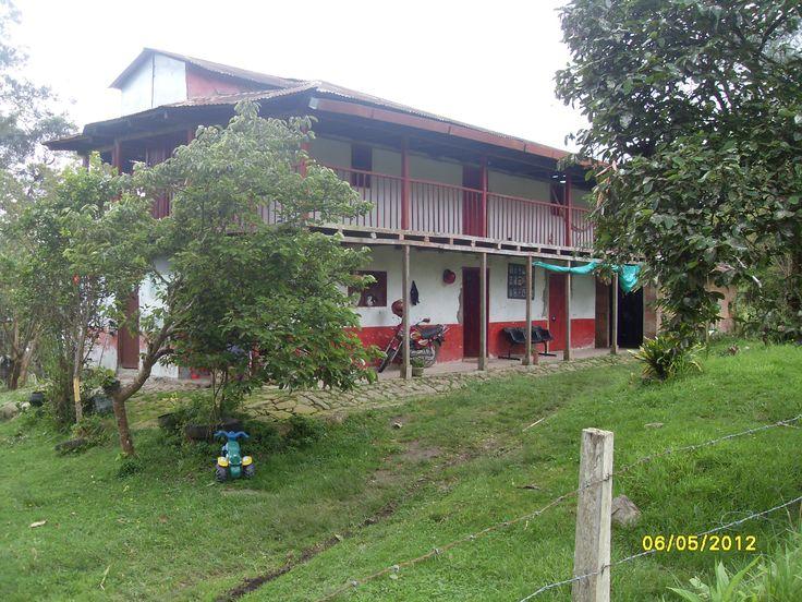 Casa campesina ,Tena Cund,Colombia Foto de Nirza López