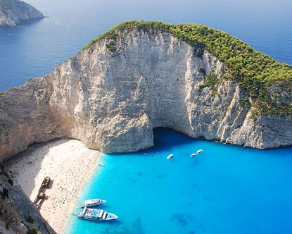Paradise Beach, one of the most popular Greece vacation spots and resorts
