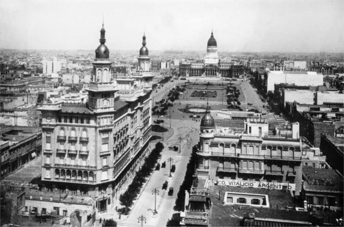 Avenida de mayo y el Congreso Nacional
