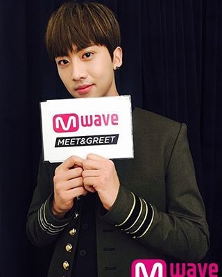 #Inseong at the meet & greet #KNK
