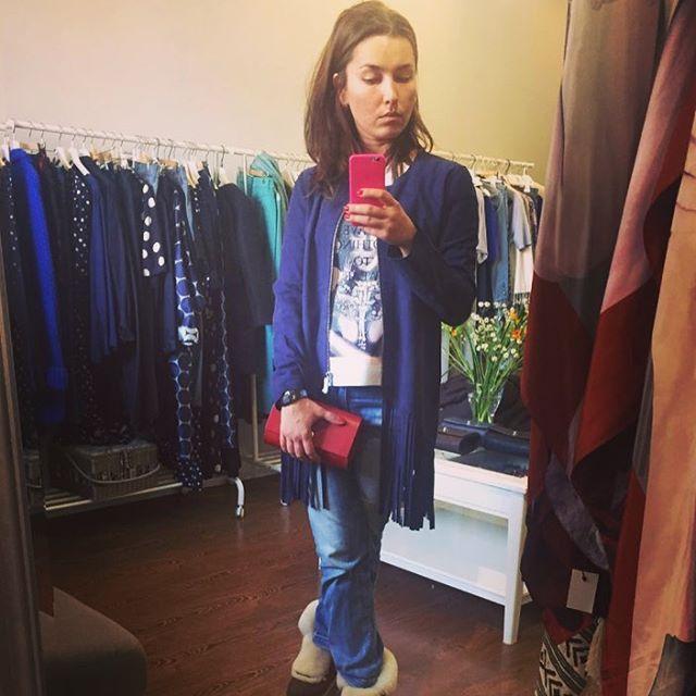 #richandroyal  Новая коллекция весна/лето уже в студии ! Но многое осталось в единичном экземпляре ! Например , эта мега крутая куртка из отрезной замши ! Невозможно не влюбиться !  #danave#danavestudio#nim_design#bag#бардачок#красный#red#вналичии#тренд#style#richandroyalgirls