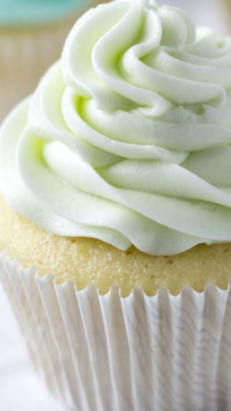 Key Lime Cupcakes ~ a fluffy white cupcake filled with fresh key lime zest and juice.