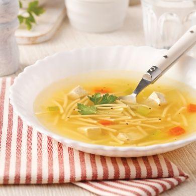 Soupe poulet et nouilles - Soupers de semaine - Recettes 5-15 - Recettes express 5/15 - Pratico Pratique
