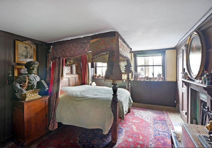 Malplaquet House boasts five unique bedrooms.