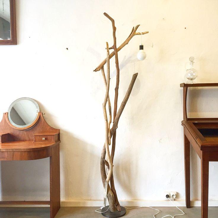 www.gris-chine.com Lampadaire en bois flotté