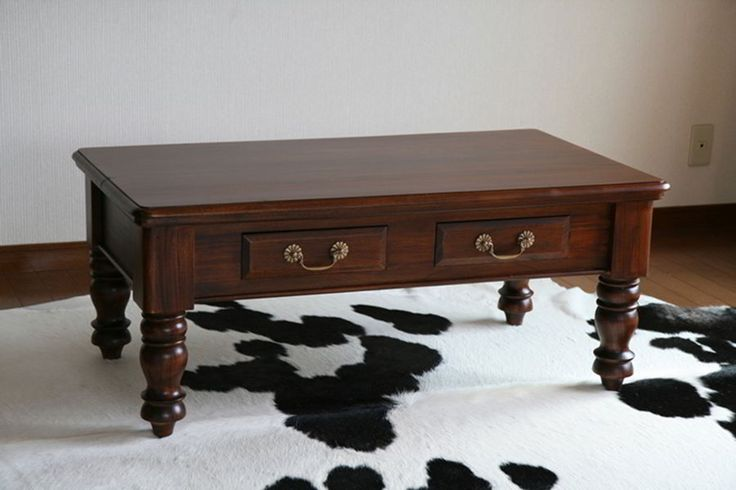 Colonial period coffee table replica made of mahogany wood