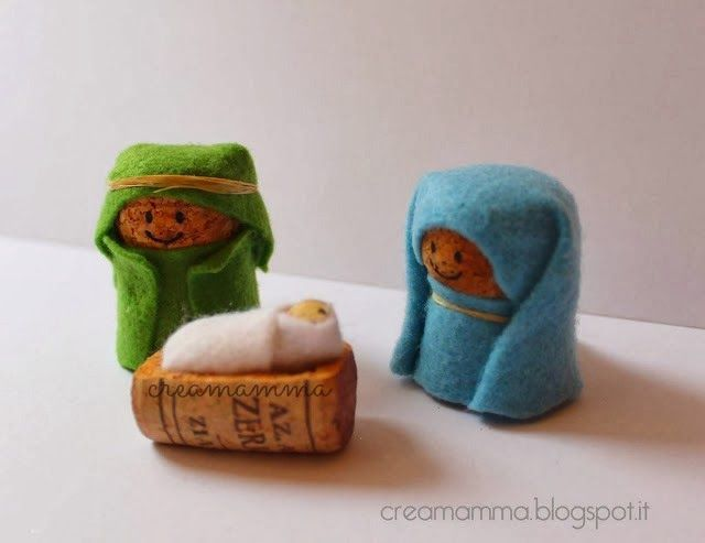 22 Applegate Lane: Wine Cork Nativity Tutorial