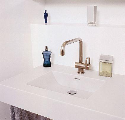Corian-galleria: keittiöt, kylpyhuoneet, julkiset tilat