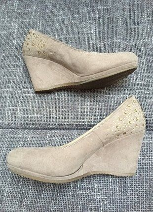 Kupuj mé předměty na #vinted http://www.vinted.cz/damske-boty/platformy/13426030-trpytive-botky-na-klinku-s-kaminky