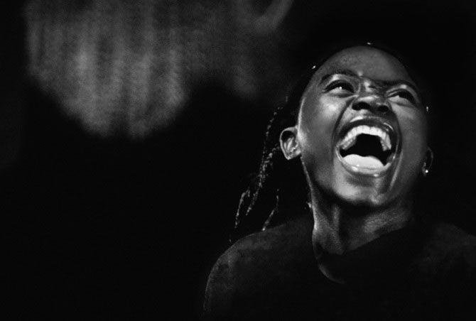 Povestea orfanilor dansatori din Uganda, spusa de Doug Menuez | 2 din 13