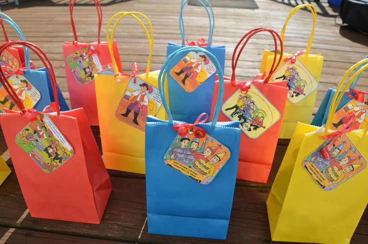 """Wiggles kids party bag """"Thank You"""" tags"""